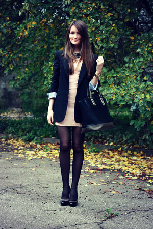 black oversized asos blazer - nude bodycon Bershka dress
