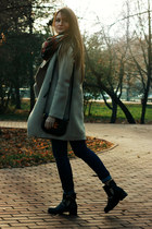 black cut out Chicwish boots - beige oversized Chicwish coat