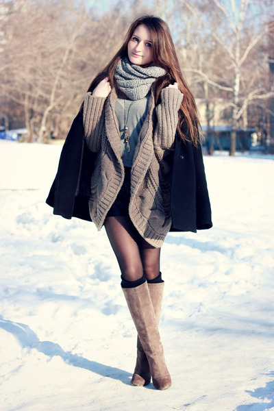 heather gray Bershka cardigan - heather gray Yoox boots - black ostin coat