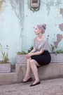 Heather-gray-h-m-t-shirt-black-express-skirt-dark-brown-frye-flats