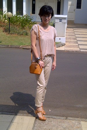 camel bag - neutral cropped Zara pants - neutral braided Charles & Keith belt