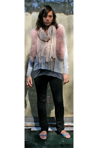Kate Moss for Topshop vest - banana republic sweater - H&M scarf - Forever21 pan