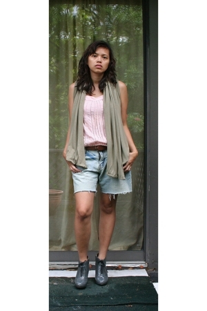random from Barneys vest - random brand blouse - Gap belt - DIY shorts - Cynthia