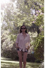 Beige-vintage-shirt-blue-diy-shorts