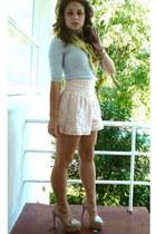light pink junk shorts - beige Wittner heels