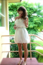 white dress - silver belt - silver sandals