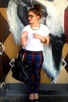 navy Salasai pants - black tote bag H&M bag - white boyfriend cut asos t-shirt