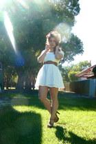 tawny shoes - off white dress - tawny belt
