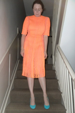 orange Christopher Kane dress - sky blue Christian Louboutin heels