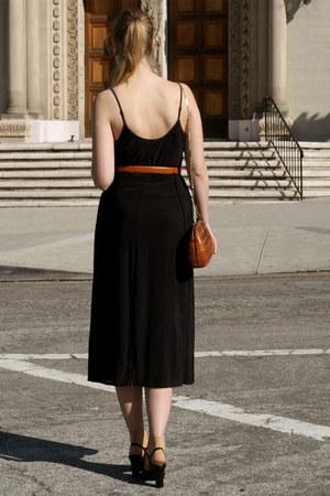 black vintage dress - burnt orange vintage bag - tawny American Apparel belt