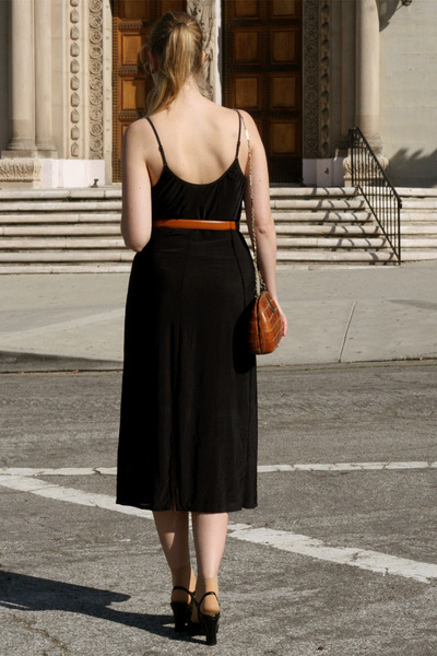 black vintage dress - burnt orange vintage bag - tawny American Apparel belt