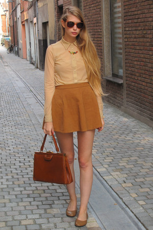 burnt orange vintage bag - nude American Apparel shirt