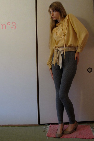 yellow vintage blouse - beige American Apparel belt - gray H&M leggings