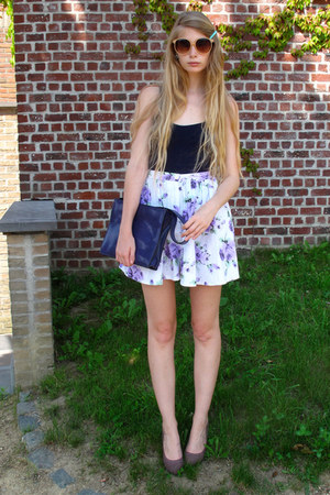 deep purple vintage bag - amethyst American Apparel shorts