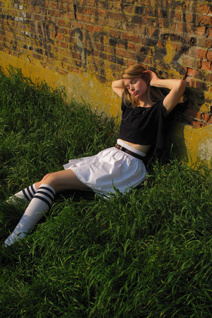 white American Apparel socks - navy American Apparel top - white Zara skirt - cr