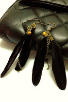 Black-feather-mychickpea-earrings