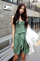 Green-ruffle-dahong-dress