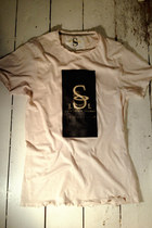 Eggshell-signature-lost-spirit-lounge-t-shirt