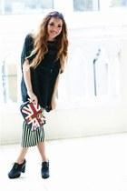 Black-knit-mychickpea-top