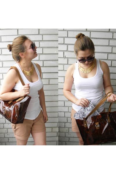no brand bag - no brand shorts - no name t-shirt - unknown brand accessories