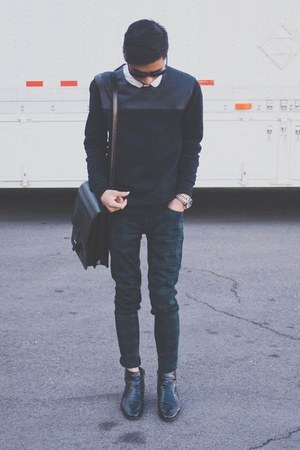black Zara sweater