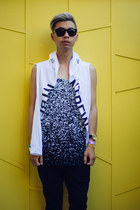 white tank top Dope top - white graphic Dope shirt - black triwa sunglasses