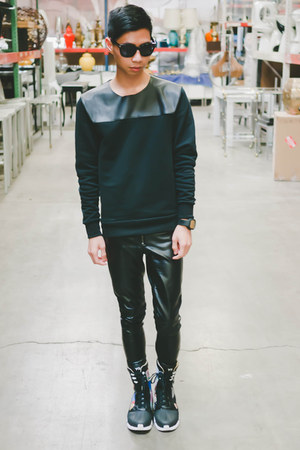 black Yohji Yamamoto shoes - black Zara sweater - black Tom Ford sunglasses
