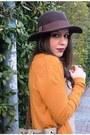 Mustard-zara-cardigan-beige-zara-blouse