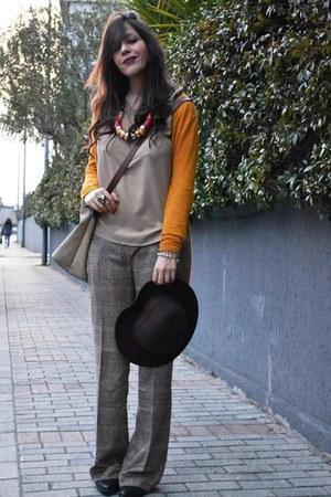 mustard Zara cardigan - beige Zara blouse