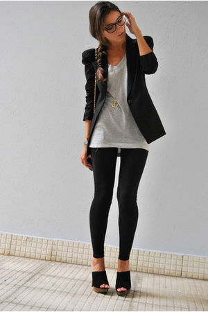 black blazer - black leggings - silver Stradivarius t-shirt - black clogs