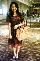 brown Hardware dress - dark brown Gaudi bag - blue Charles & Keith flats