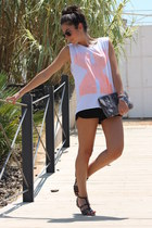 Zara t-shirt - Zara bag - BLANCO sandals