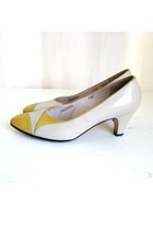 Vintage Salvatore Ferragamo Cream & Yellow Leather Mod Heels, sz 7.5