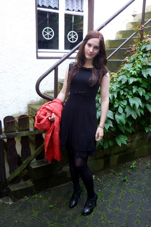 black H&M dress - salmon lindex coat - black H&M tights - black H&M bag