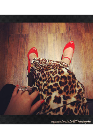 red Zara heels - black Chanel bag - brown maxi skirt One One Seven skirt
