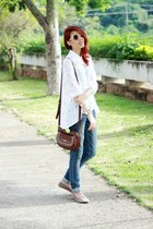 beige Kafé Acessórios bracelet - white cross Chicwish shirt - brown Levis bag