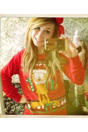 red garfield Forever 21 sweater