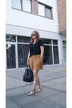 black Mango sandals - bronze suede second hand shorts - black H&M t-shirt