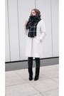 Black-choies-boots-ivory-coat-black-zara-scarf
