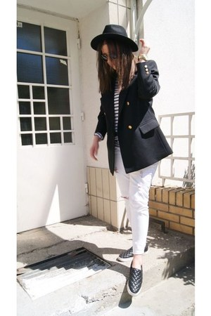 black H&M hat - black second hand blazer - black H&M flats - white Zara top