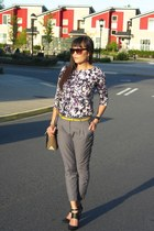 H&M top - H&M pants - Dolce Vita pumps
