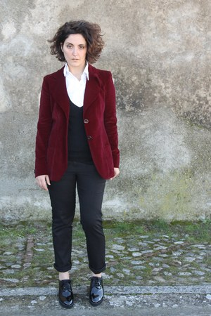 black lace up shoes - ruby red vintage velvet blazer - white white shirt shirt