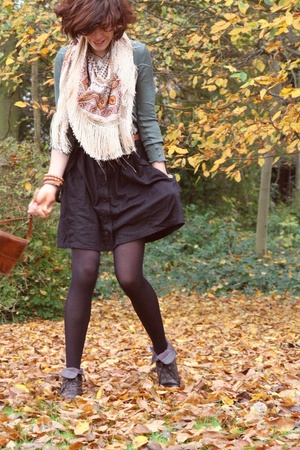 H&M scarf - vintage shoes - Made by Mummy necklace - H&M skirt - Petit Bateau sh