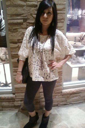 white Forever 21 blouse - gray Agaci leggings - black Forever 21 boots - black F