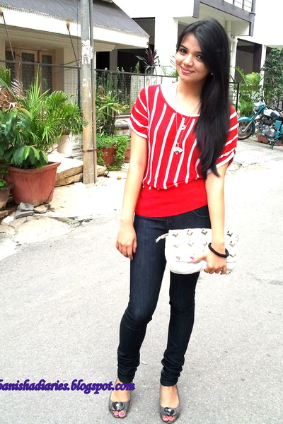 white kiara bag - red Showoff top - black jeggings pants - charcoal gray kitten