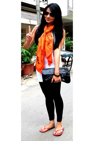black lycra leggings leggings - carrot orange scarf - black ITS bag - white basi