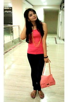 salmon bag - hot pink tank top Hypercity top - gold layered chain necklace - bla