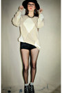 Black-woven-urban-outfitters-hat-beige-vintage-from-ebay-sweater