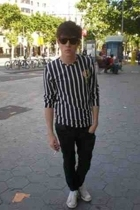 Wayfarer sunglasses - Batallata t-shirt - Cheap Monday jeans - Converse shoes