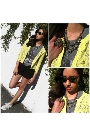 heather gray Chaser LA shirt - yellow lace sam & lavi cardigan